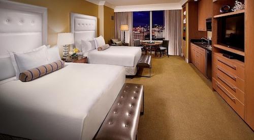 Trump International Hotel Las Vegas image 13
