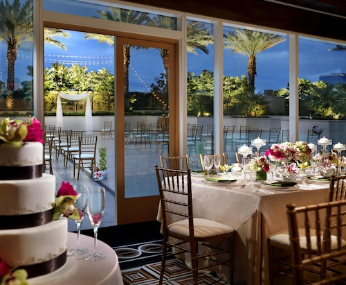 Trump International Hotel Las Vegas image 40