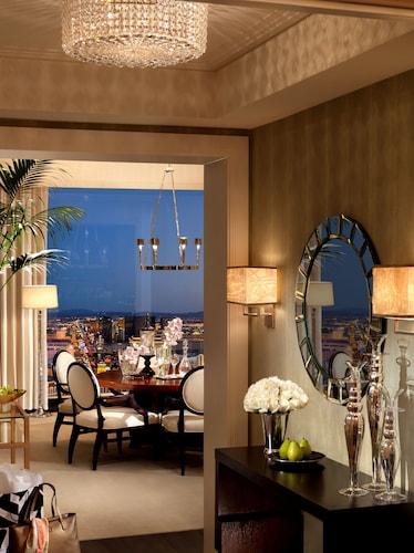 Trump International Hotel Las Vegas image 17