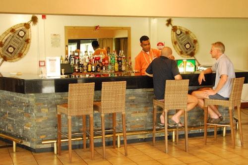 Tanoa Waterfront Hotel, Ba
