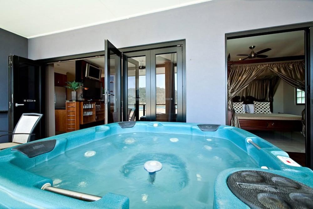 https://i.travelapi.com/hotels/2000000/1870000/1861900/1861849/bc1bc5f5_z.jpg
