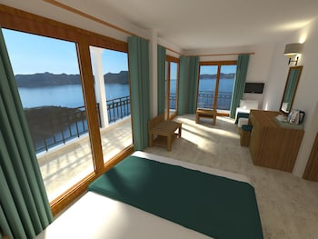 Standard Single Room, Partial Sea View