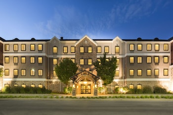 Staybridge Suites Toledo - Maumee