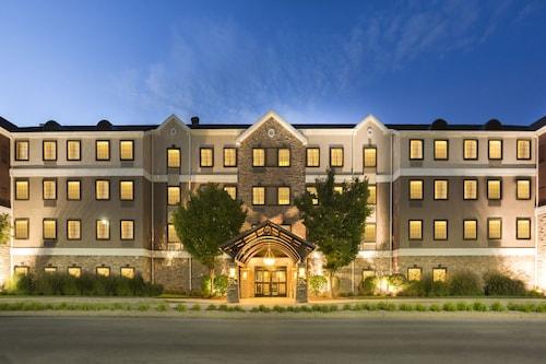 . Staybridge Suites Toledo - Maumee