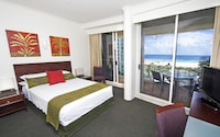 Hotel Room at Mantra Twin Towns in Coolangatta