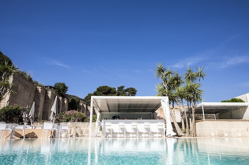 __{offers.Best_flights}__ Cave Bianche Hotel