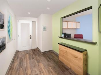 WoodSpring Suites Firestone