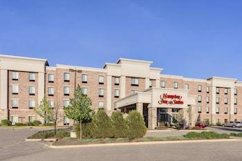 Hampton Inn & Suites West Bend..