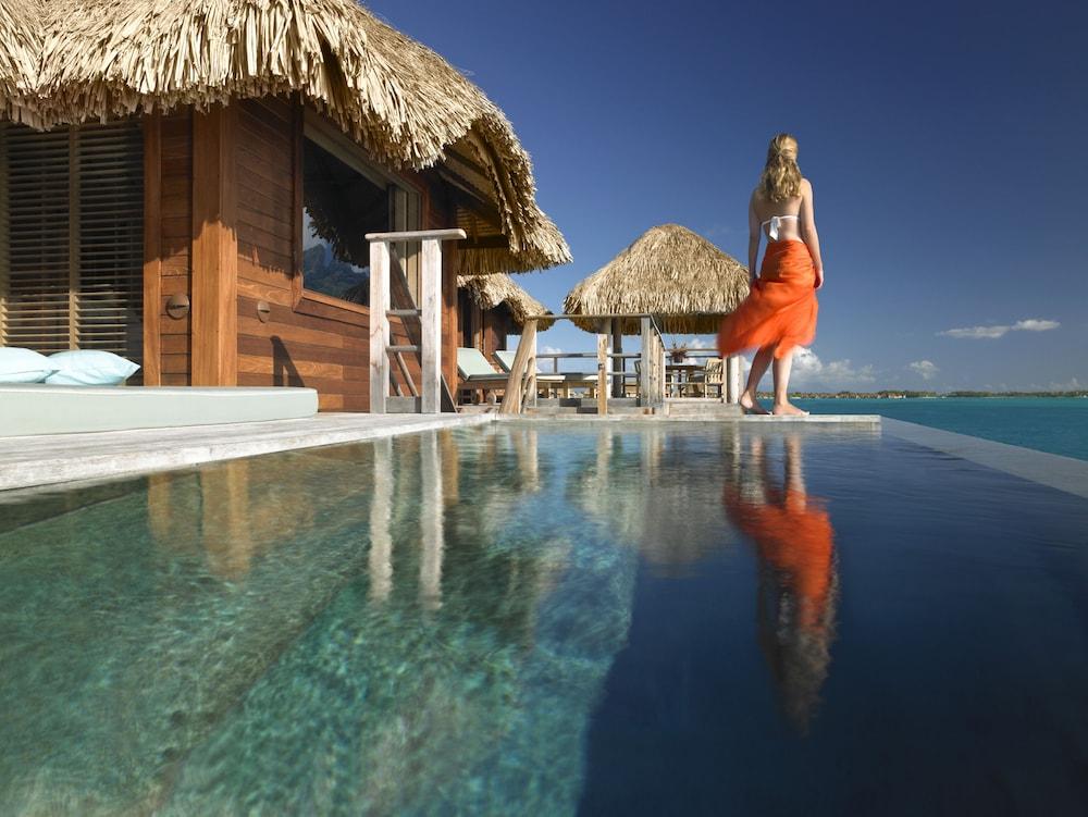 https://i.travelapi.com/hotels/2000000/1870000/1867200/1867106/0ecb26af_z.jpg