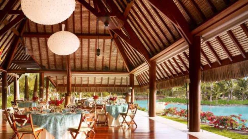 https://i.travelapi.com/hotels/2000000/1870000/1867200/1867106/171a6b14_z.jpg
