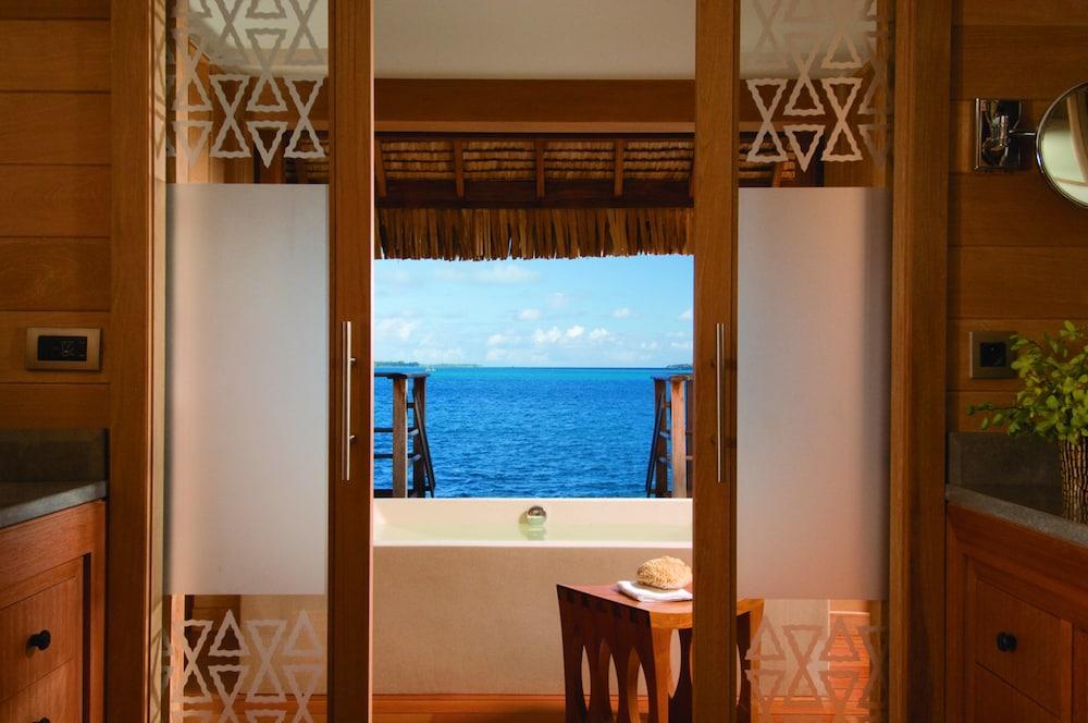 https://i.travelapi.com/hotels/2000000/1870000/1867200/1867106/5e333542_z.jpg