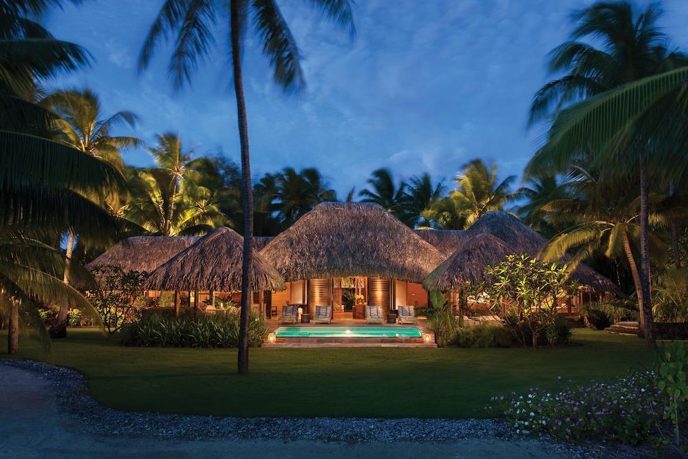 https://i.travelapi.com/hotels/2000000/1870000/1867200/1867106/6f87d333_z.jpg