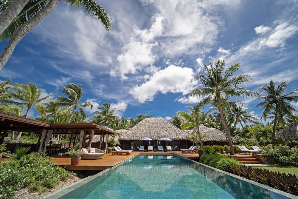 https://i.travelapi.com/hotels/2000000/1870000/1867200/1867106/d427b978_z.jpg
