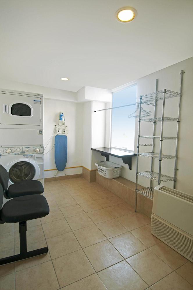 One Acapulco Costera