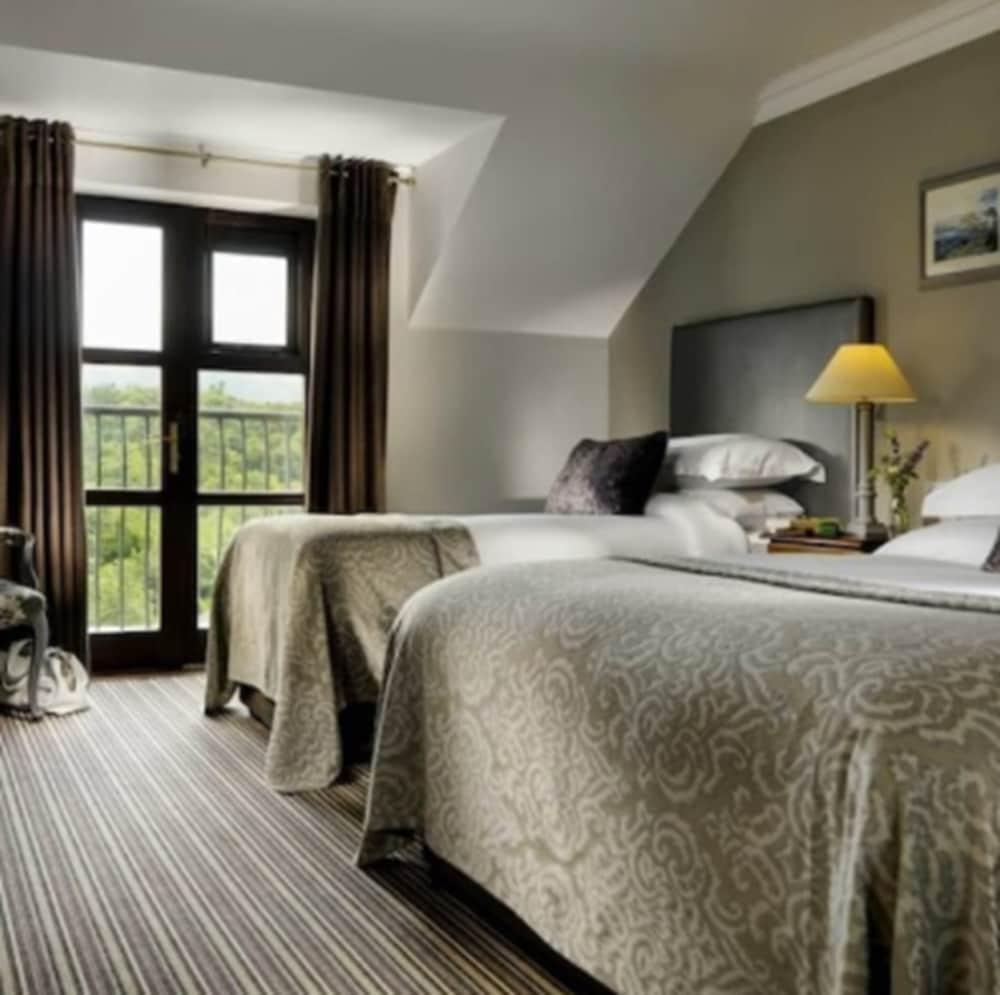 https://i.travelapi.com/hotels/2000000/1870000/1869700/1869623/56282f53_z.jpg