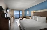 Standard Room, 1 King Bed, Oceanfront at Captain's Quarters Resort in Myrtle Beach