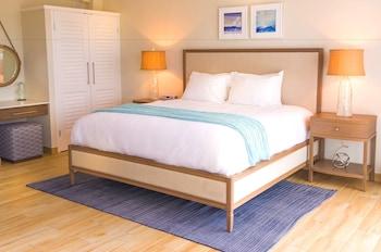 Suite, 1 King Bed, Balcony, Sea View (Cinnamon)