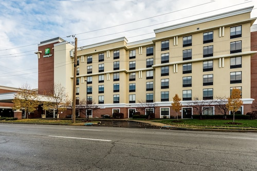. Holiday Inn Indianapolis Downtown, an IHG Hotel