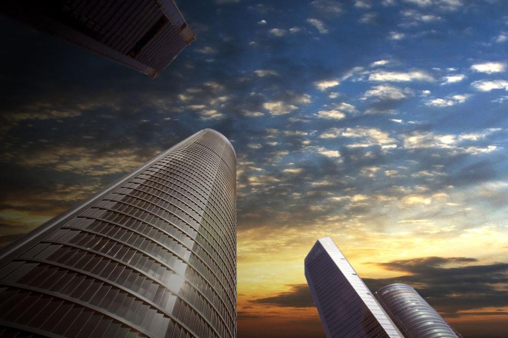 ユーロスターズ マドリード タワー