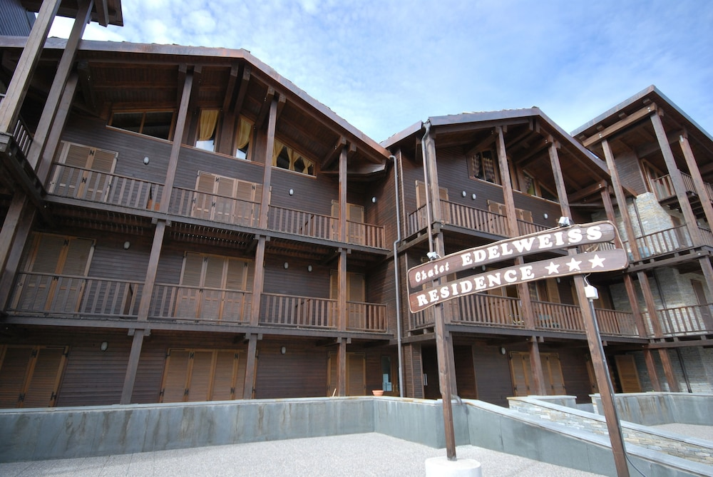 Chalet Edelweiss, Featured Image