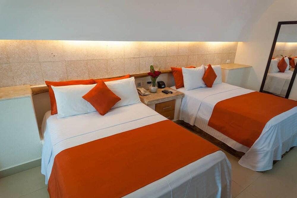 Artisan Family Hotels And Resorts Playa Esmeralda, Úrsulo Galván