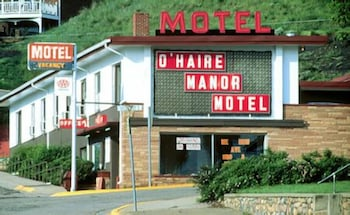 Hotel - O'Haire Manor Motel and Apartments