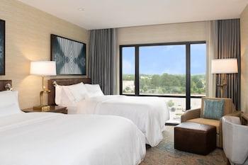 Premium Room, 2 Queen Beds, Non Smoking (Deluxe)