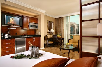 Junior Suite Balcony, 1 King Bed with Sofa bed, Kitchenette