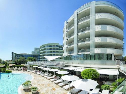 . Hotel Premier & Suites - Premier Resort