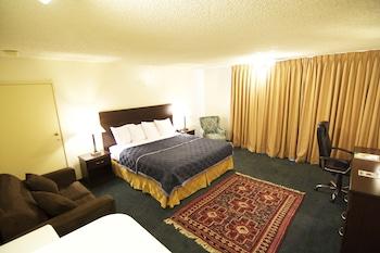 Deluxe Room, 1 King Bed (Wet Bar)