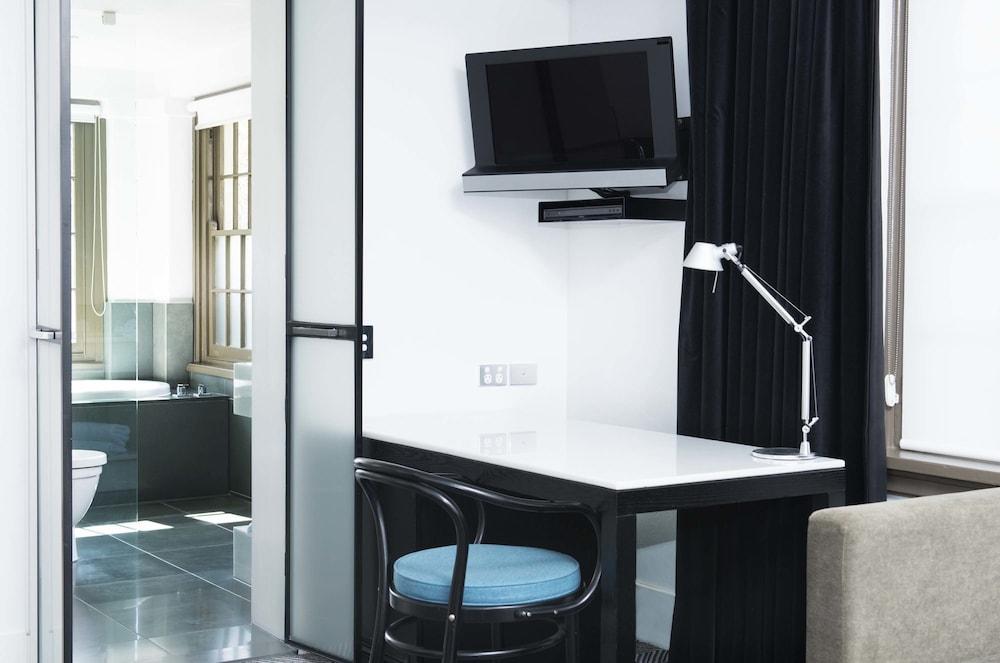 客房內辦公區
