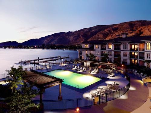 . Walnut Beach Resort