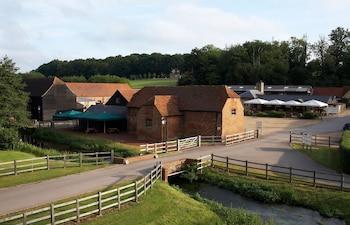 Hotel - Tewin Bury Farm Hotel