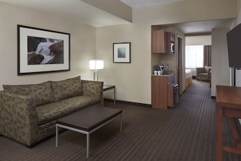 Suite, 1 King Bed with Sofa bed, Non Smoking (With Sofa Bed)