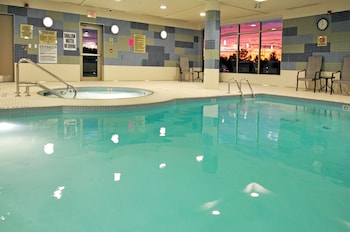 Hotel - Holiday Inn Express Suites Vaughan