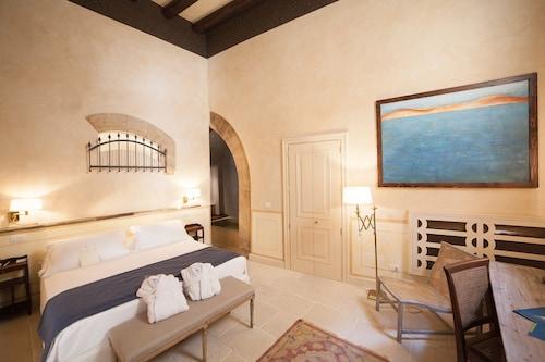 . Algila' Ortigia Charme Hotel