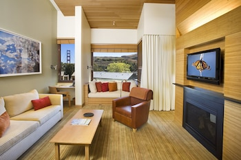 Suite, 1 King Bed, View (Contemporary, Golden Gate View)