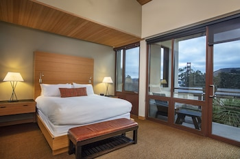 Deluxe Room, 1 King Bed, View (Contemporary, Golden Gate View)