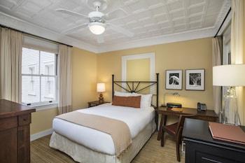 Room, 1 Queen Bed (Historic)