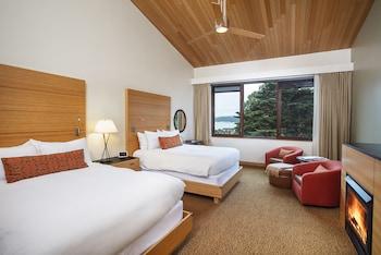 Room, 2 Queen Beds (Contemporary)
