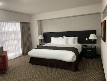 Room (Master Plus VIP)