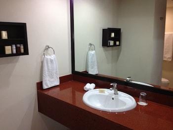 St Isidro Corporate Housing - Bathroom Sink  - #0
