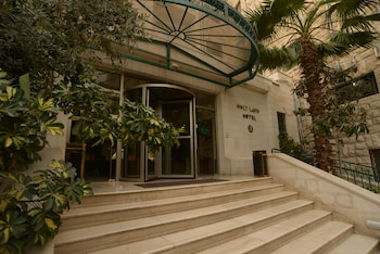 Hotel - Holy Land Hotel