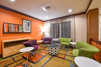 Lobby at Fairfield Inn & Suites by Marriott Baltimore in Baltimore