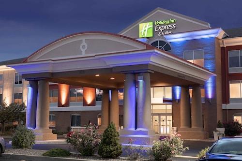 . Holiday Inn Express Hotel & Suites Vestal