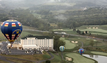 Holiday Inn & Suites Front Royal Blue Ridge Shadows - Aerial View  - #0