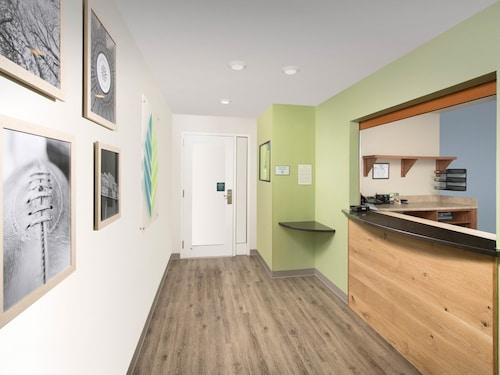 WoodSpring Suites Birmingham Pelham, Shelby