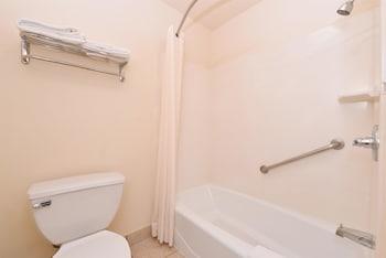 Americas Best Value Inn & Suites San Bernardino - Bathroom  - #0