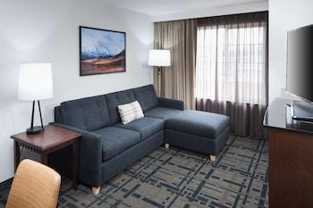 Premium Suite, 2 Queen Beds, Mountain View