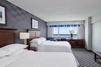 Deluxe Room, 2 Queen Beds, Non Smoking, Bay View